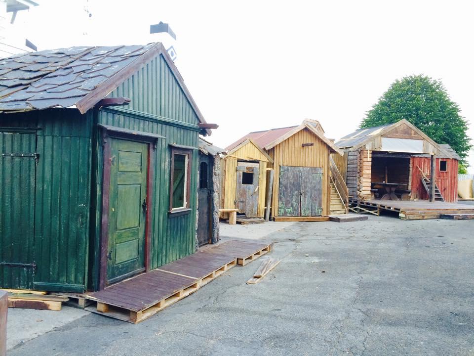 Bryggemiljø fra 1800-tallet vokser frem på den til daglige nakne dampskipskaia i Svelvik.