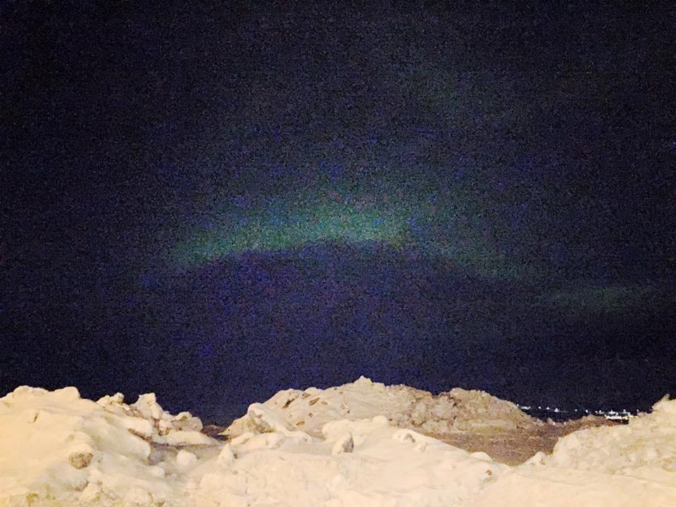 På vei hjem fikk Ellinor endelig oppleve nordlyset i Tromsø.