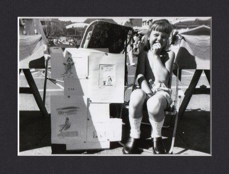 1986: Eline 5 år på Tønsberg Torg. Et bilde sier mer enn tusen ord …